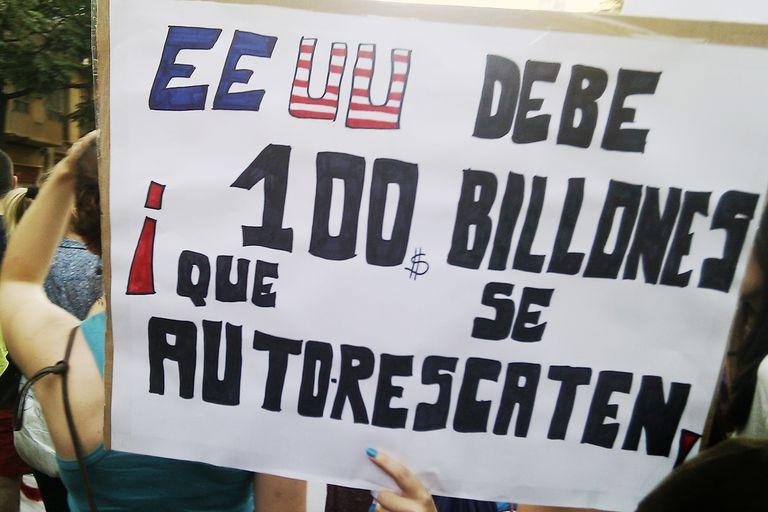 Estados Unidos protest sign