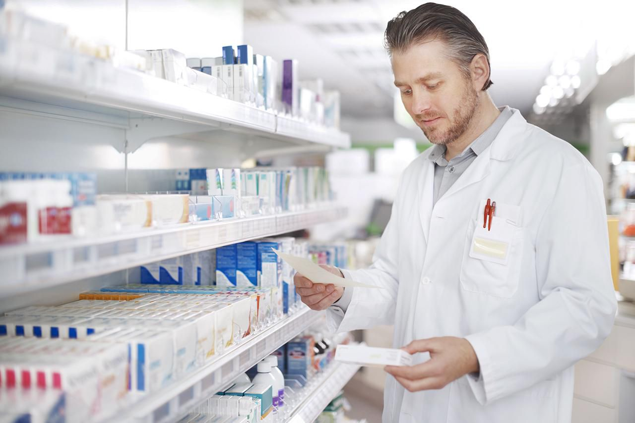 how to become a registered pharmacist
