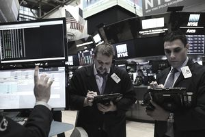 New York Stock Exchange Starts New Week After Heavy Losses Friday