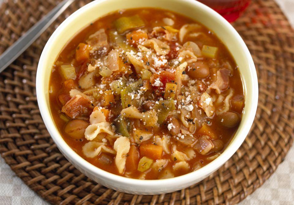 Vegetarian vegetable minestrone soup