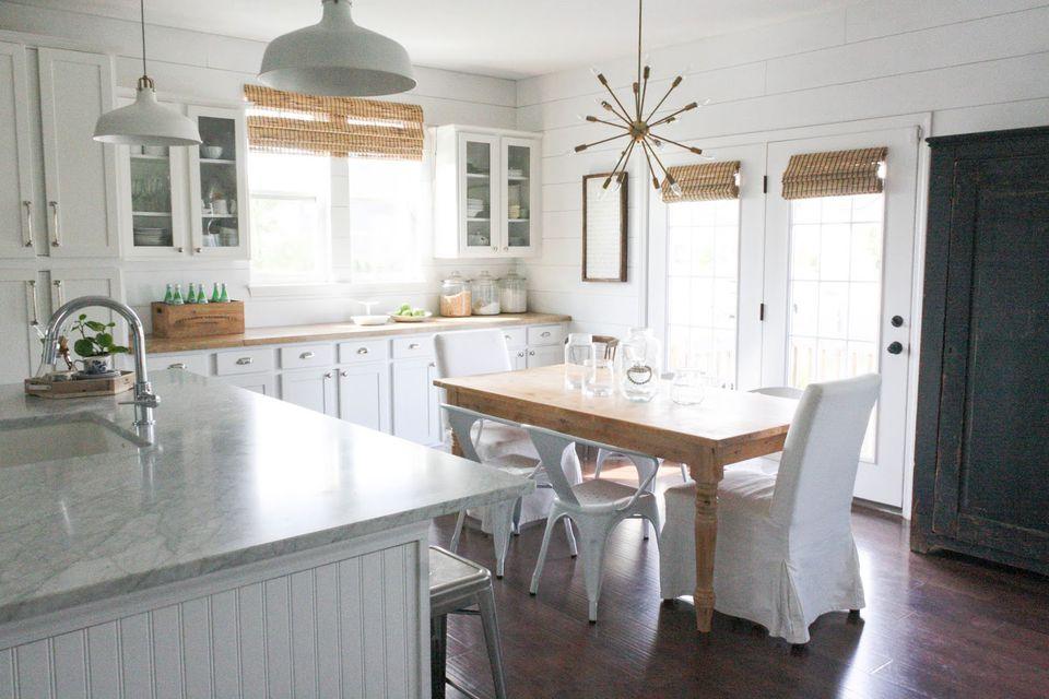 30 Amazing Design Ideas For A Kitchen Backsplash: Gorgeous Modern Farmhouse Kitchens