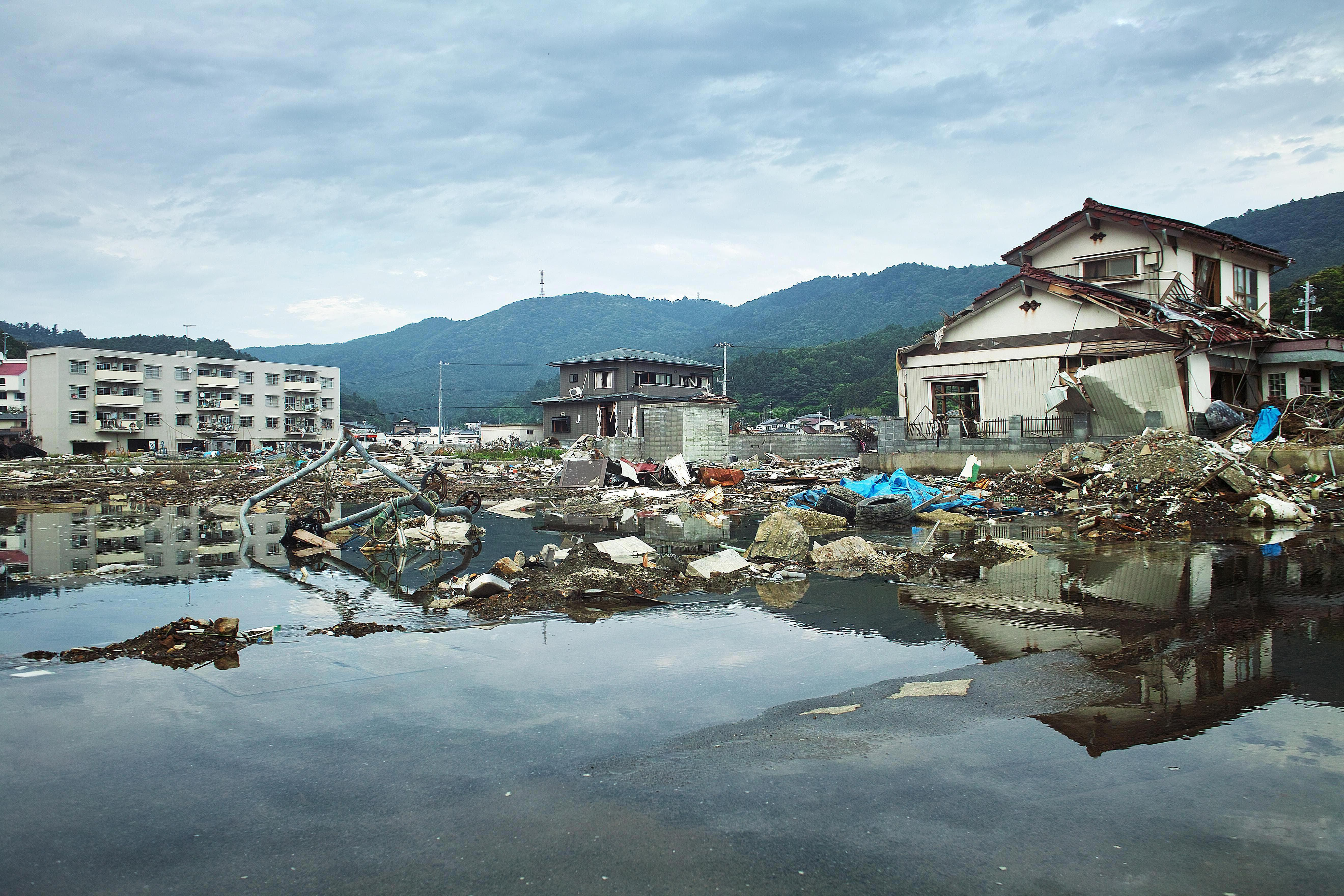 The 10 Deadliest Tsunamis Of All Time
