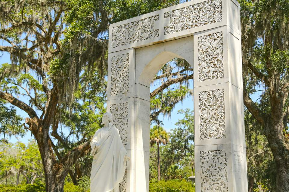 A Traveler 39 S Guide To The Bonaventure Cemetery