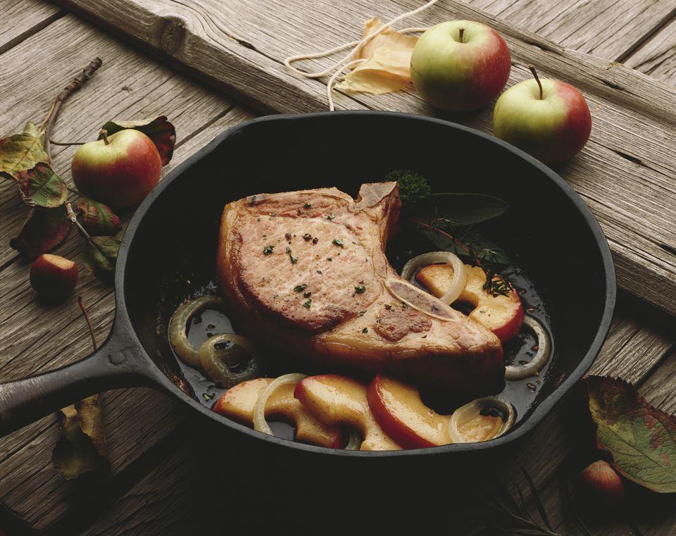 skillet pork chops and apples