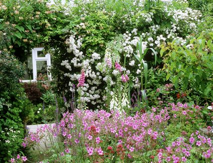 Designing a cottage garden get in touch with the past grow a cottage garden landscaping ideas workwithnaturefo