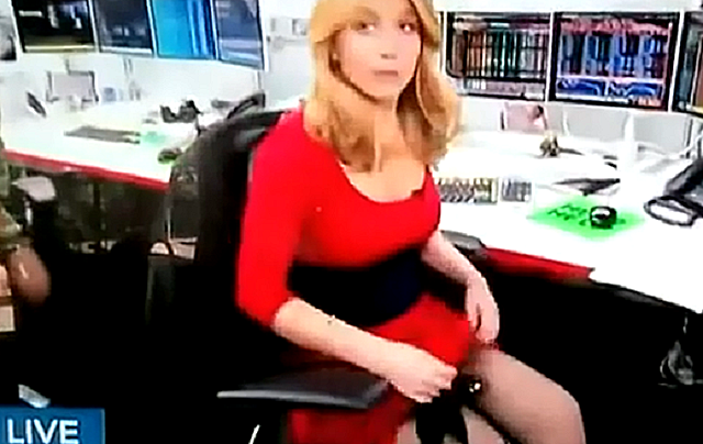 15 Of The Best Funny Tv News Bloopers-3790