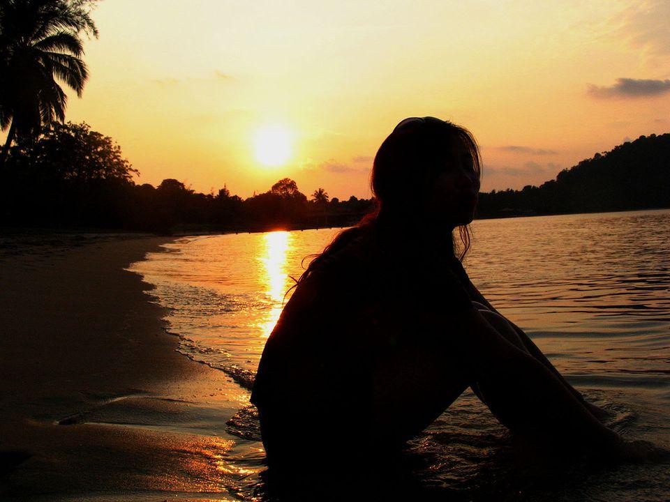 beachgirlsunsetYeongSuejanflickr.jpg