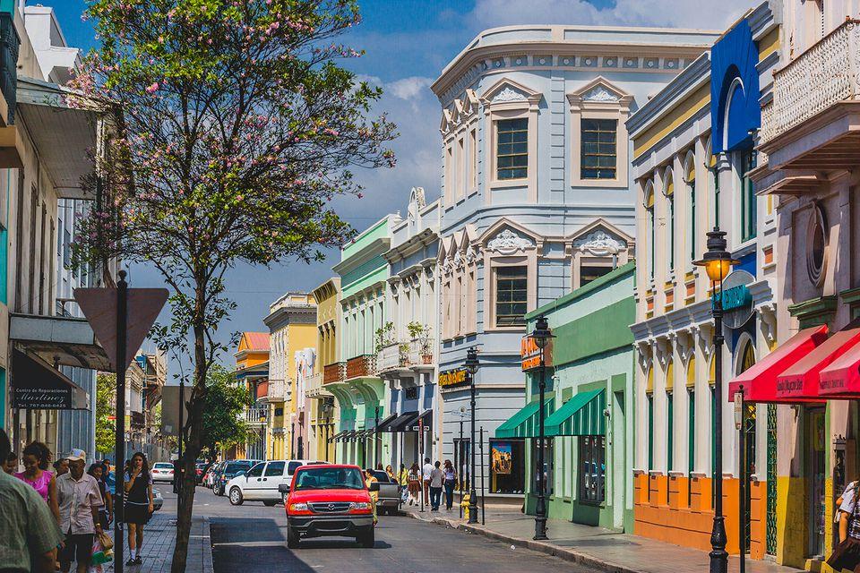 Calle (street) Reina Isabel