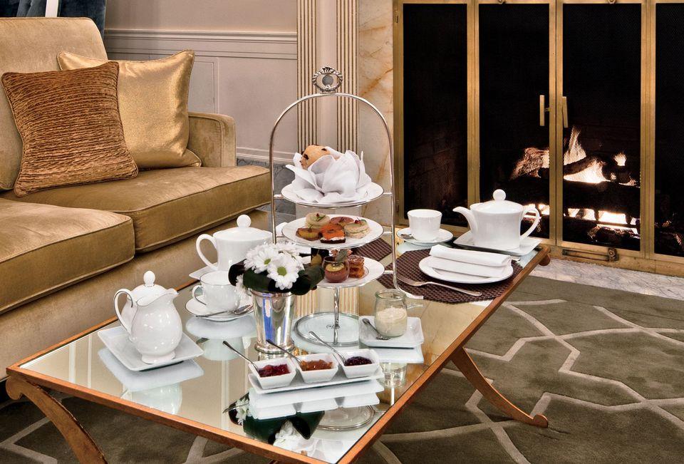 Tea at Ritz-Carlton Montreal
