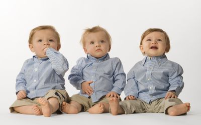 Does clomid increase risk of twins