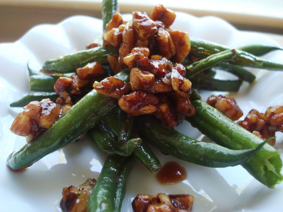 Green Beans with Pecans and Date Syrup