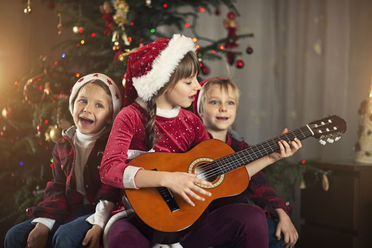 kids singing Christmas carol
