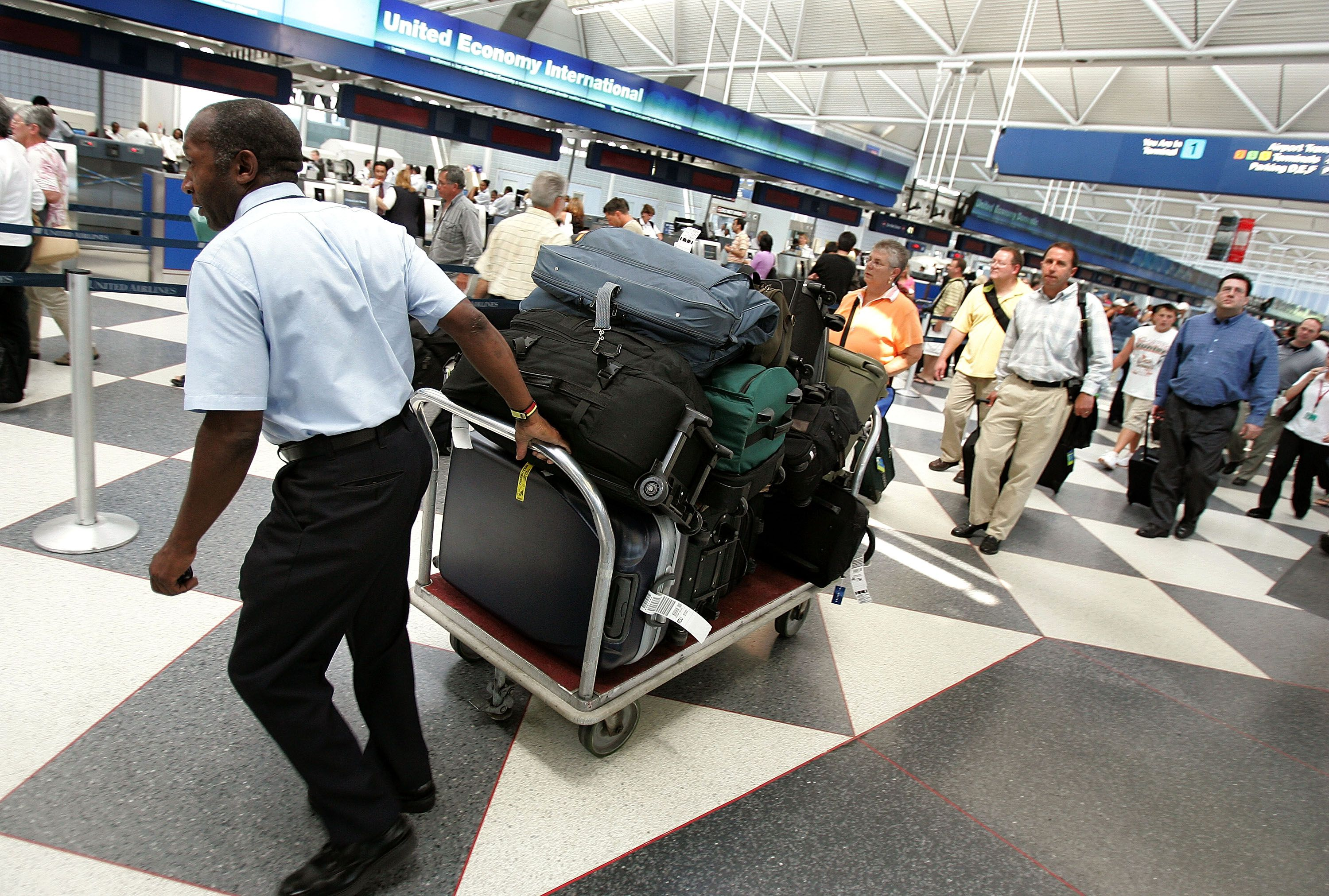 Tips For Beating The Airlines Checked Baggage Fees