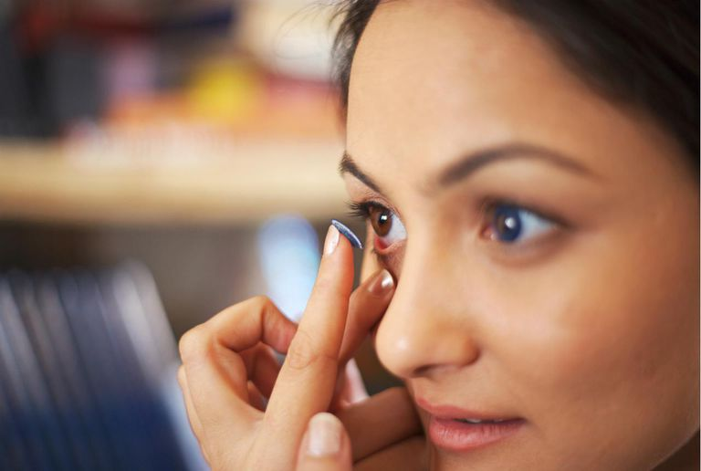 20 Makeup Tips for Contact Lens Wearers
