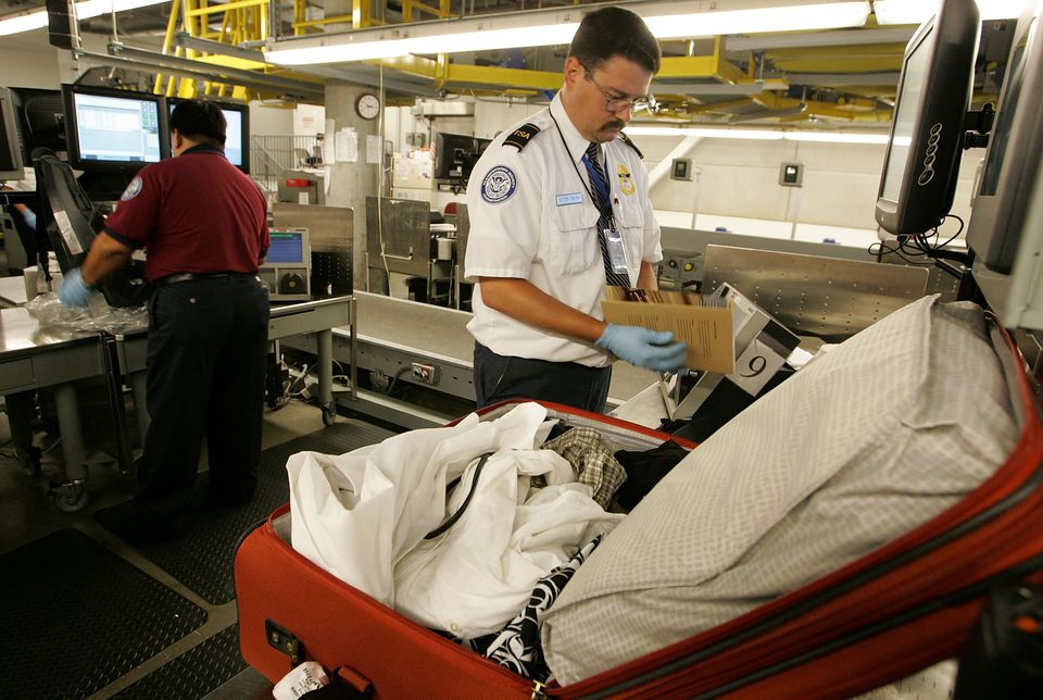 TSA Demonstrates New Baggage Screening System
