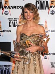 taylor swift 2010 cma awards