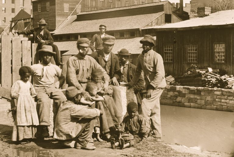 Photograph of freed slaves in Richmond in 1865