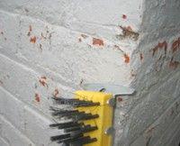 Superficie exterior pobre para pintar de una casa