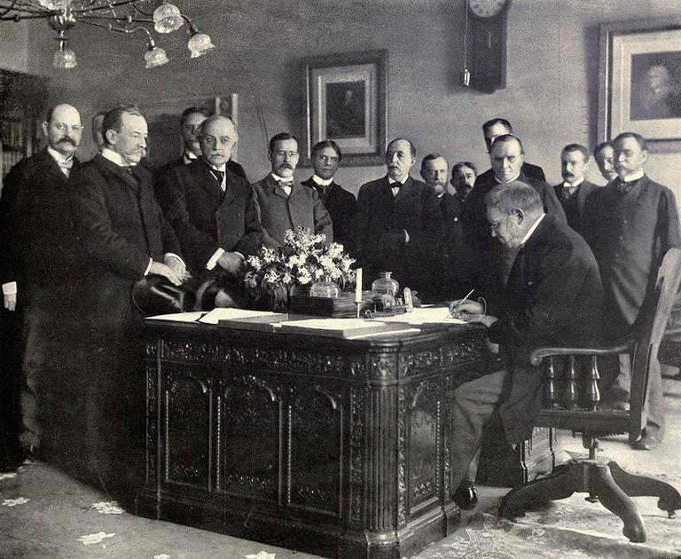 Tratado de París firmando