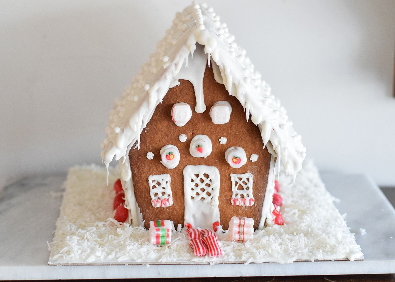 Guide To Making A Gingerbread House