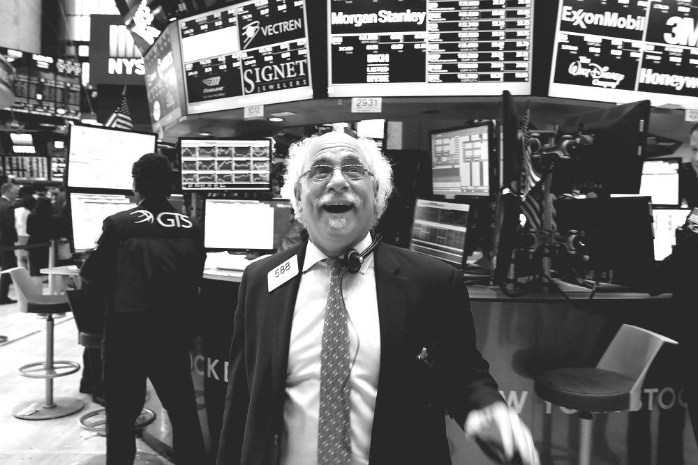 trader reacting to Dow Jones Highs