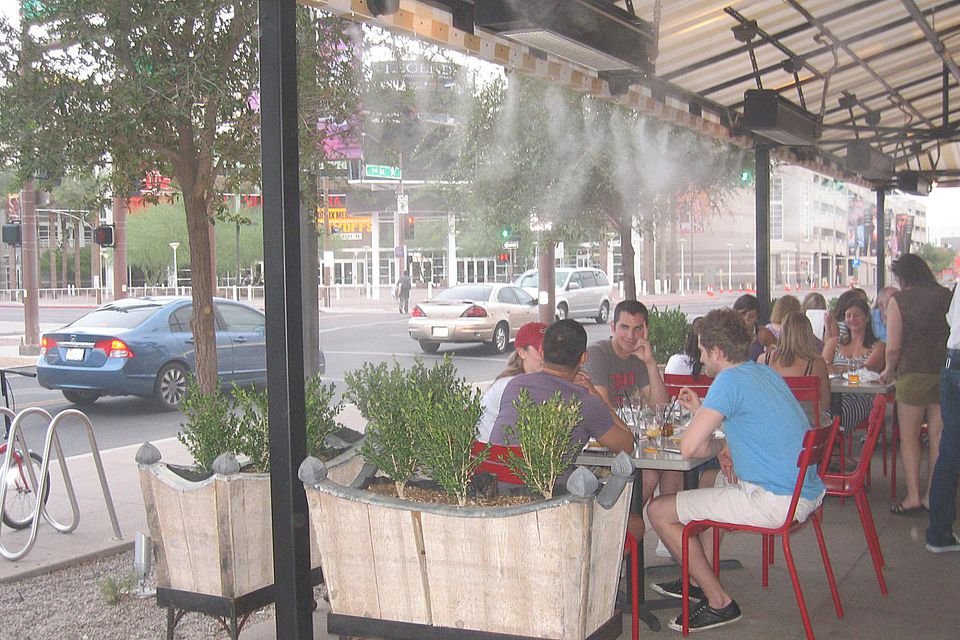 Downtown Phoenix restaurant with a misting system