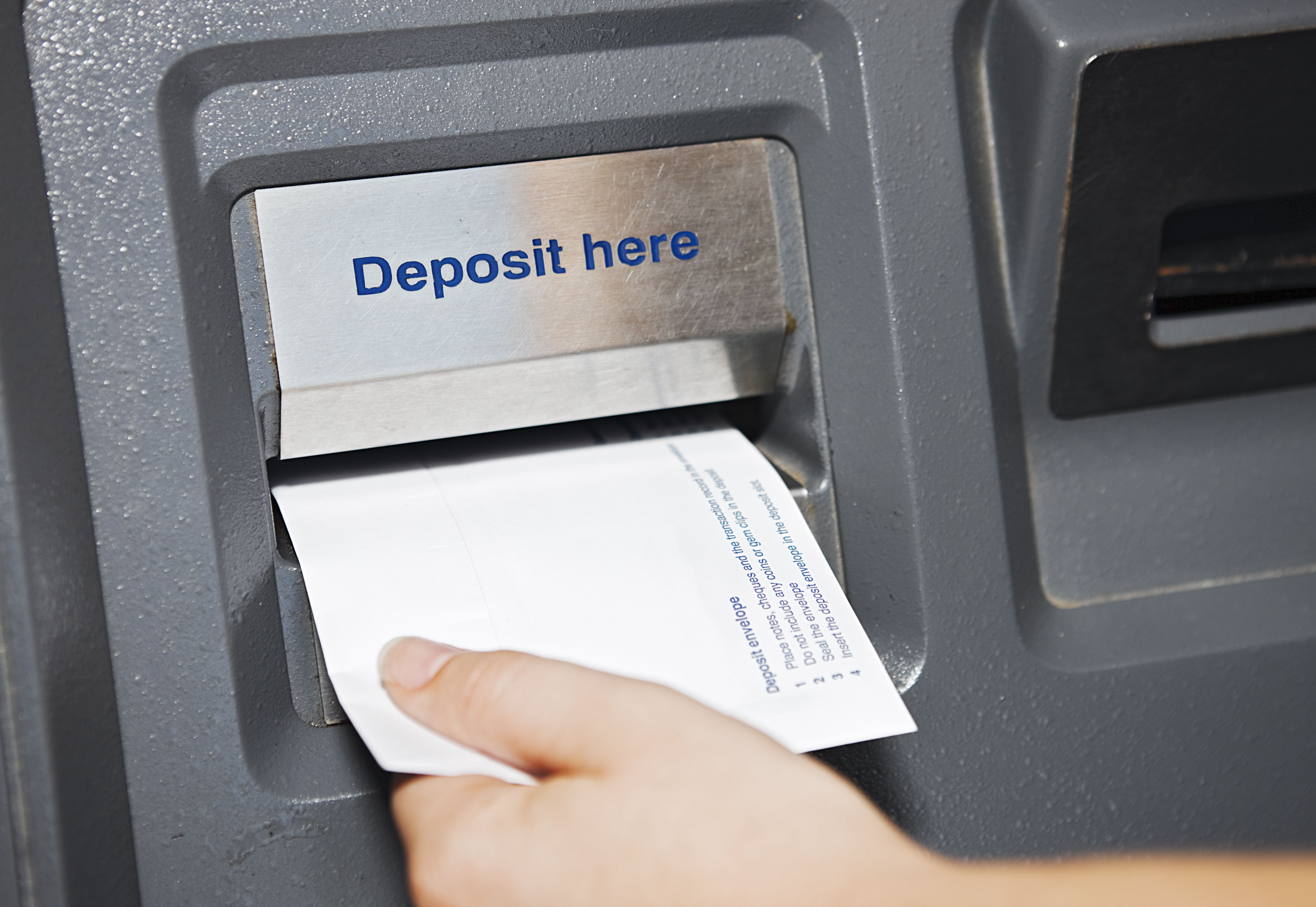 Here Is How to Add Funds to Your Bank Account With ATM Deposits
