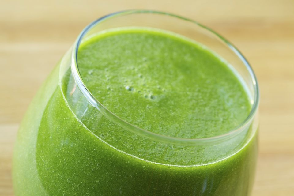 Raw vegan green smoothies - healthy and delicious!