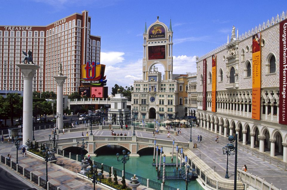 Food courts on the las vegas strip for Cuisine las vegas