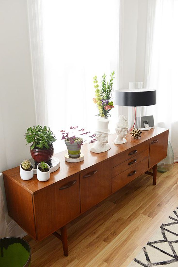 Furniture Guide: Dining Room Sideboards and Buffets
