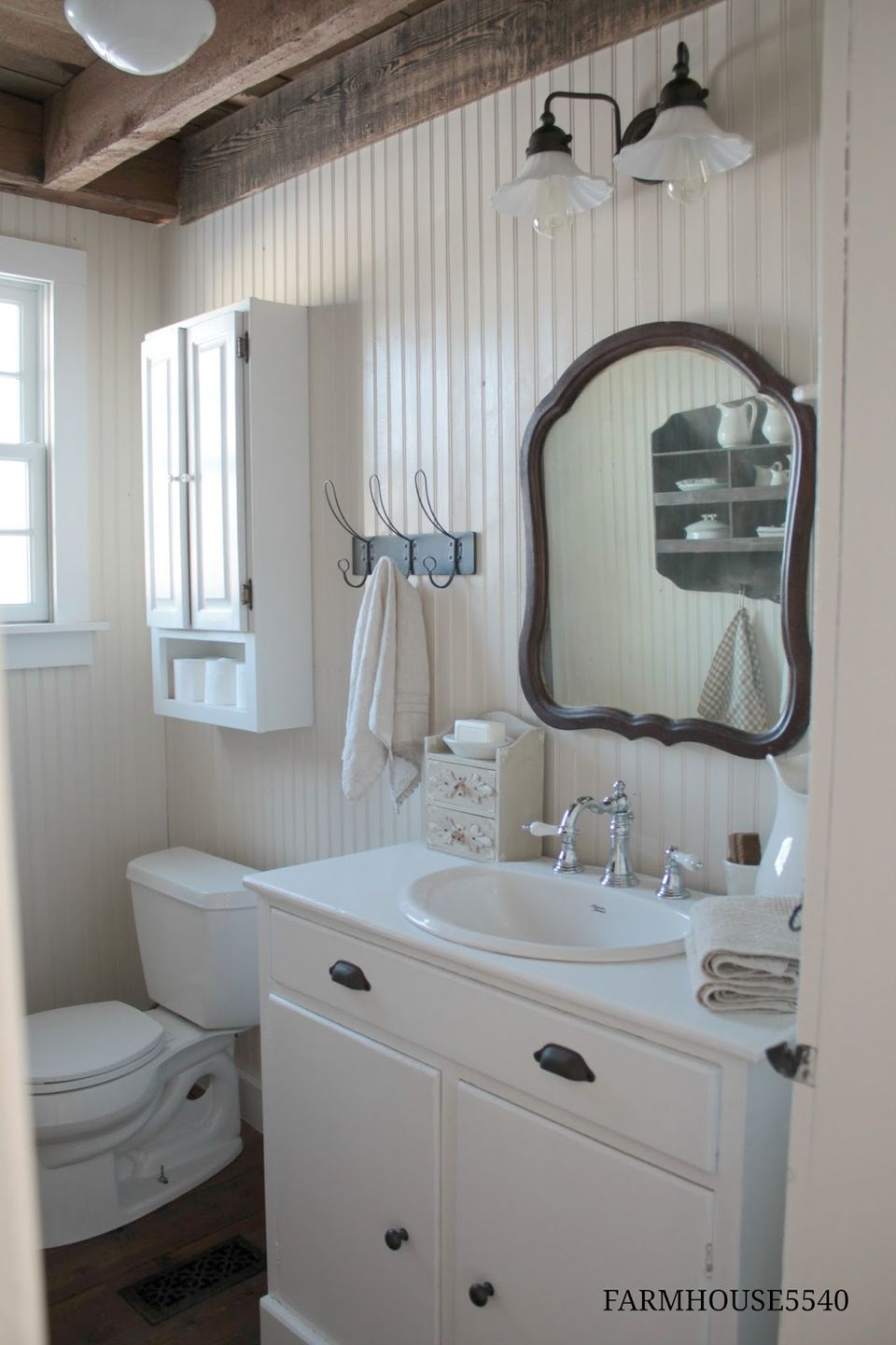 Beadboard Bathroom Design Ideas