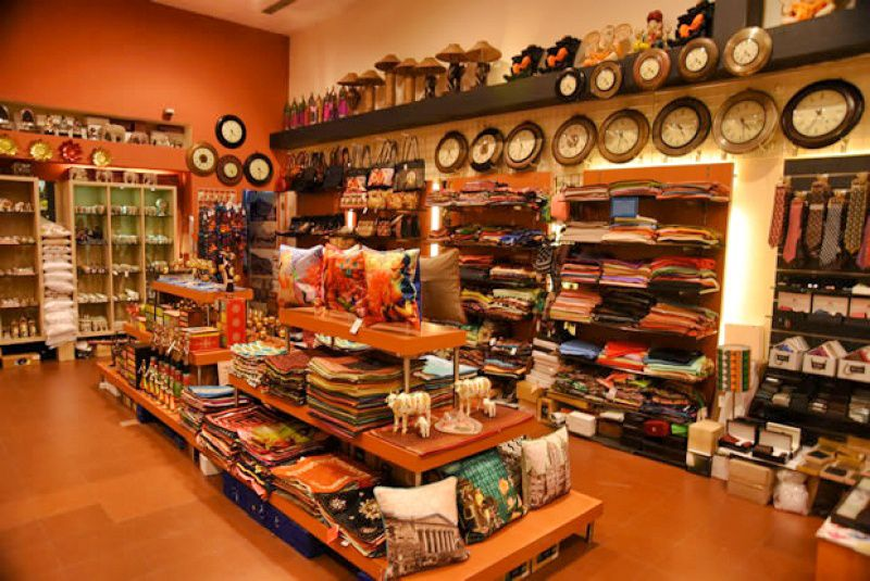 Shopping In Mumbai: Top 9 Places Buy Indian Handicrafts