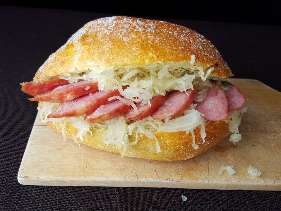 Dutch smoked sausage sandwich