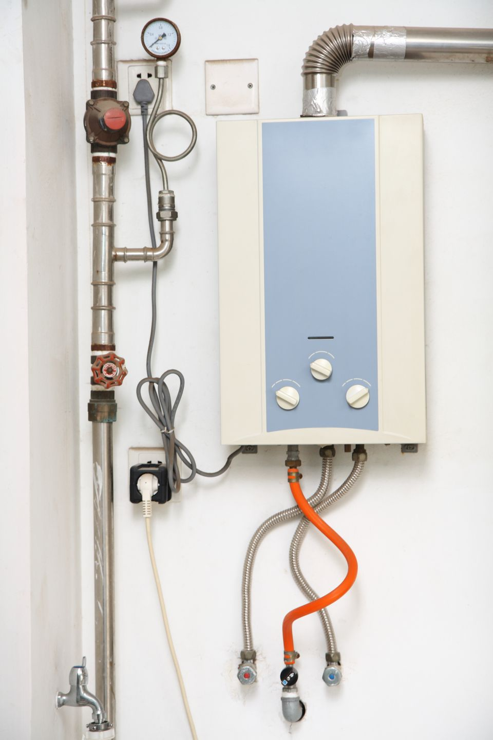 How to Repair a Tankless Water Heater