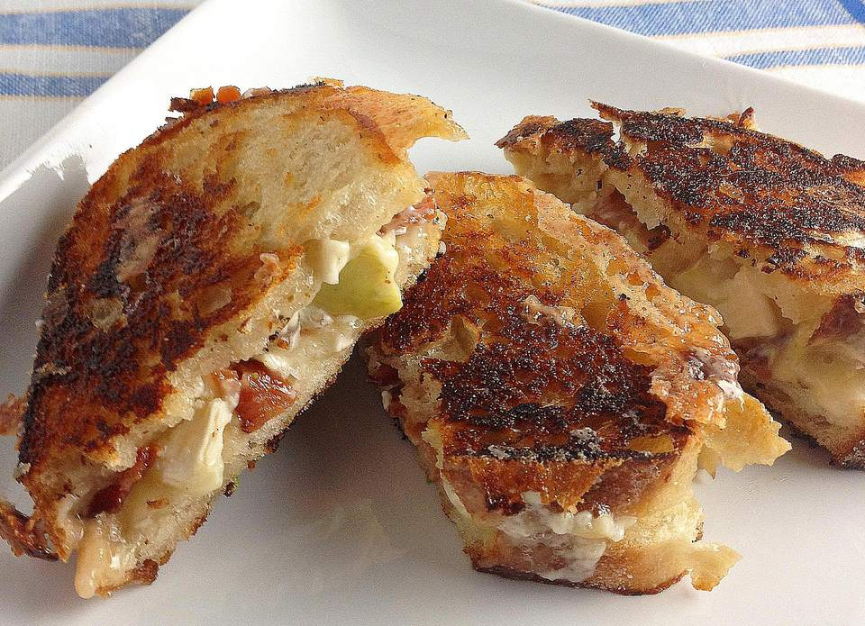 Grilled-Brie-Apple-and-Bacon-Sandwich.jpg