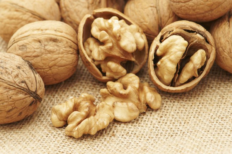 Walnuts are healthy - here's how to enjoy them every day.