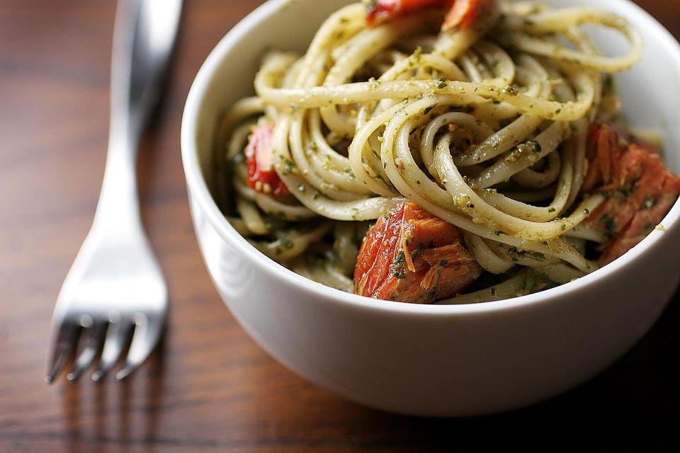 Pesto salmon pasta