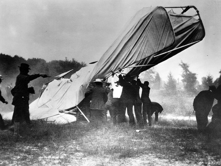 A picture of the first fatal airplane crash.