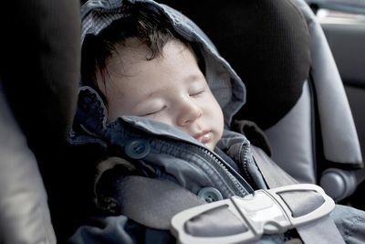 Why Overhead Shield Car Seats Aren\'t the Best Choice