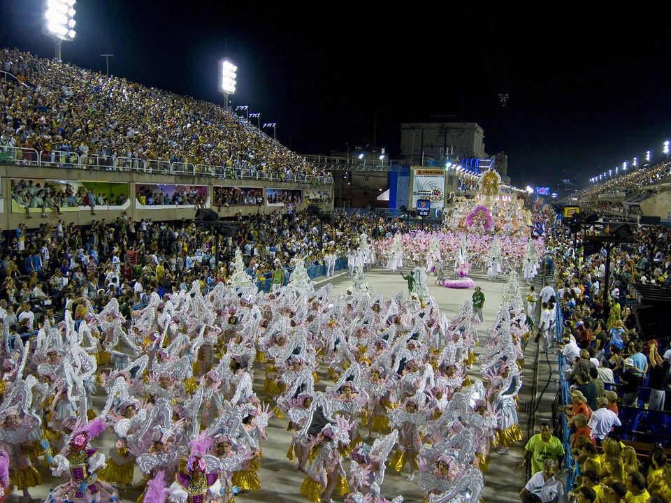 Carnival 2008 in Brazil - Desfile da Escola de Samba Imperatriz Leopoldina.