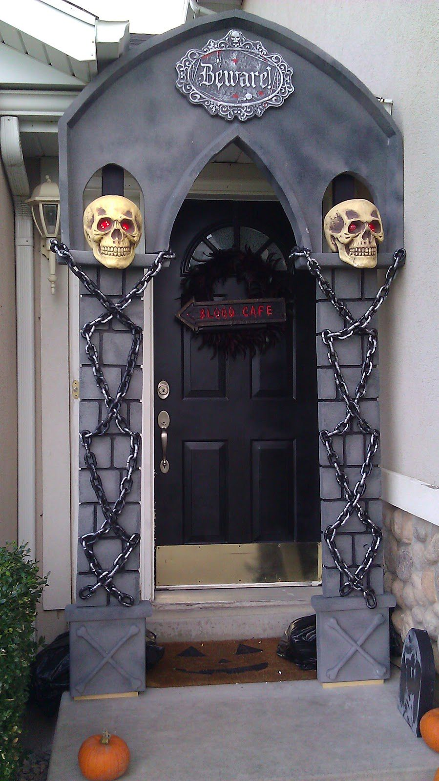 10 eerie diys for your haunted house