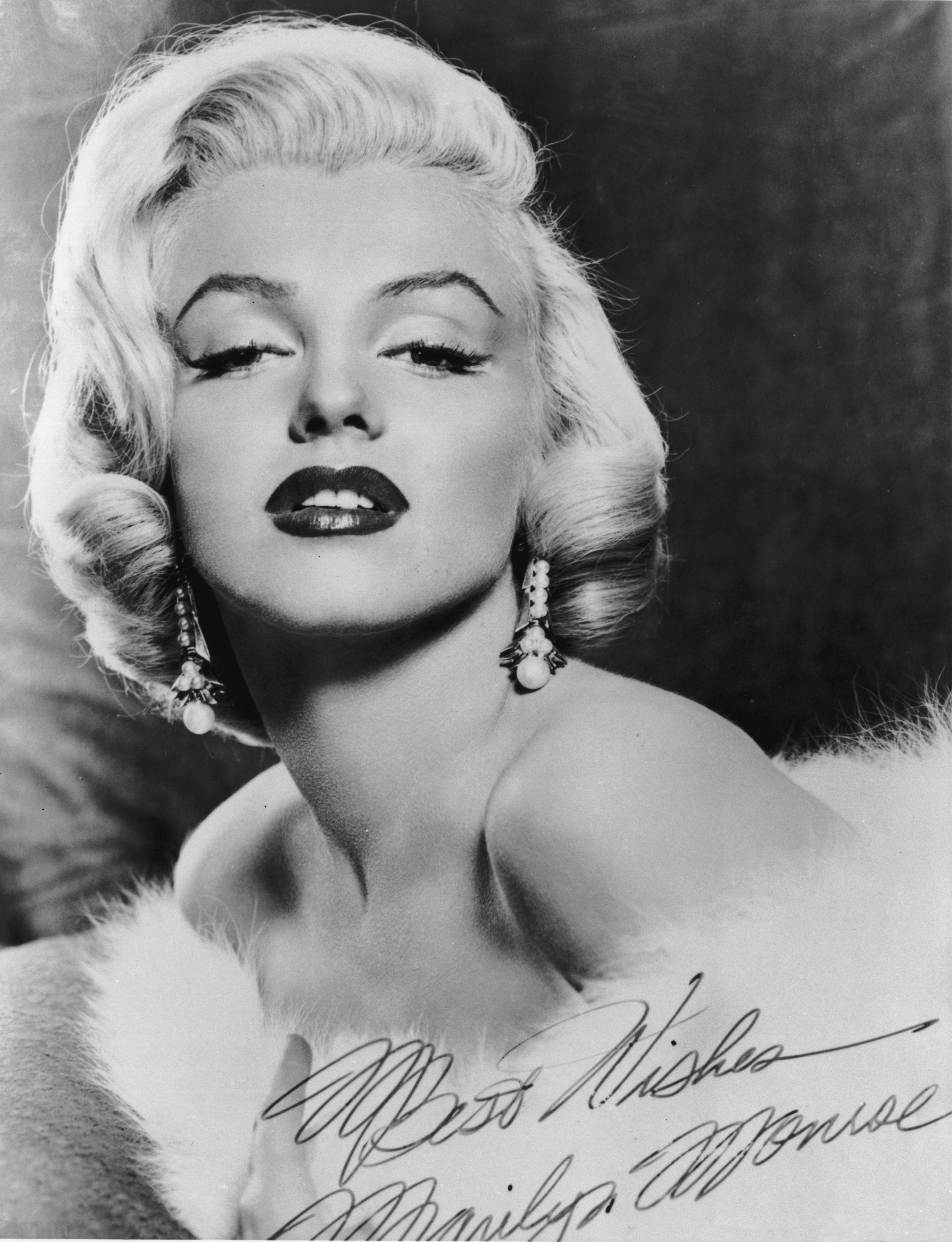 Top Biography of Marilyn Monroe LL03