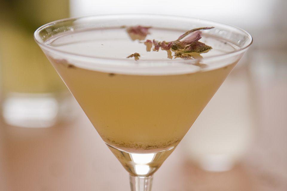 Easy Lavender Martini Vodka Cocktail Recipe