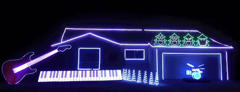 10 Seriously Impressive Christmas Light Display Videos