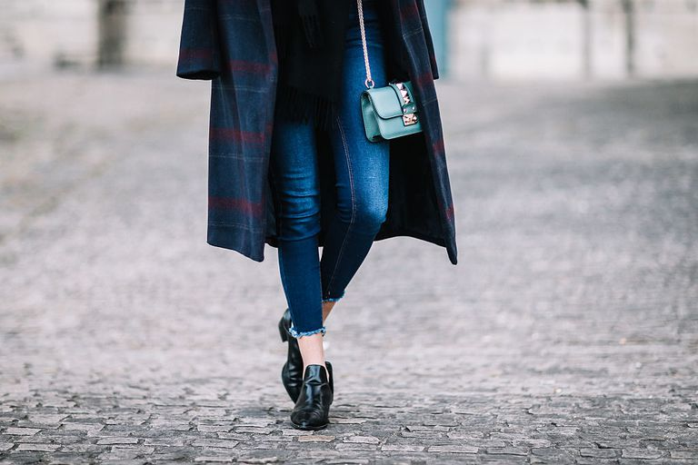 Street style dark jeans