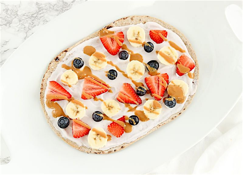 fruit breakfast pizza
