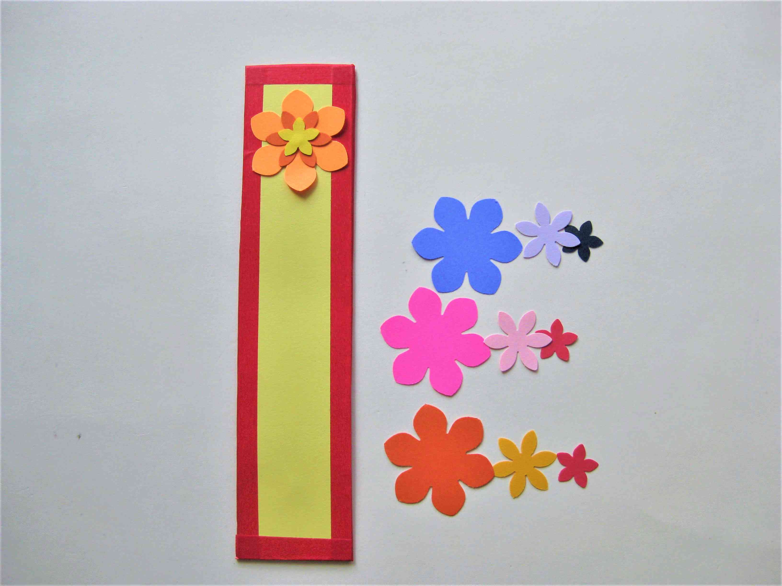 Gorgeous and easy paper flower bookmarks mightylinksfo