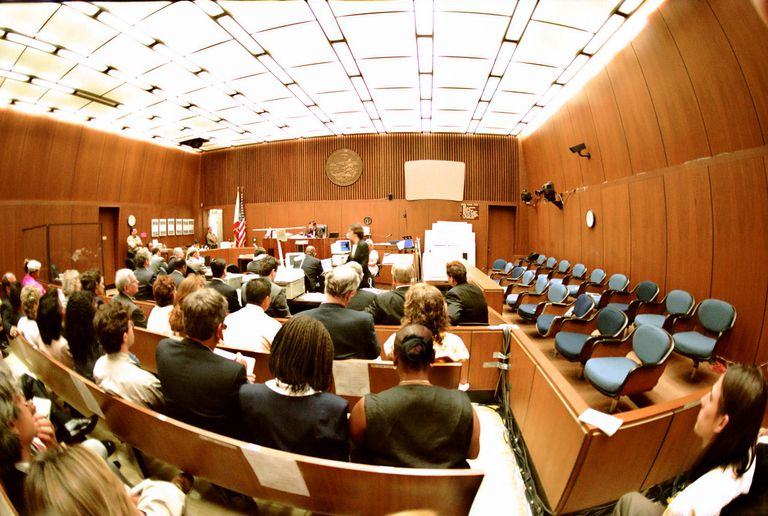 Jurors and visitors listening to testimony in the OJ Simpson trial