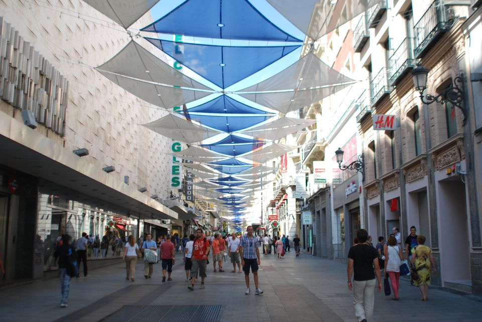 Things to do near puerta del sol and gran via in madrid for Calle sol madrid