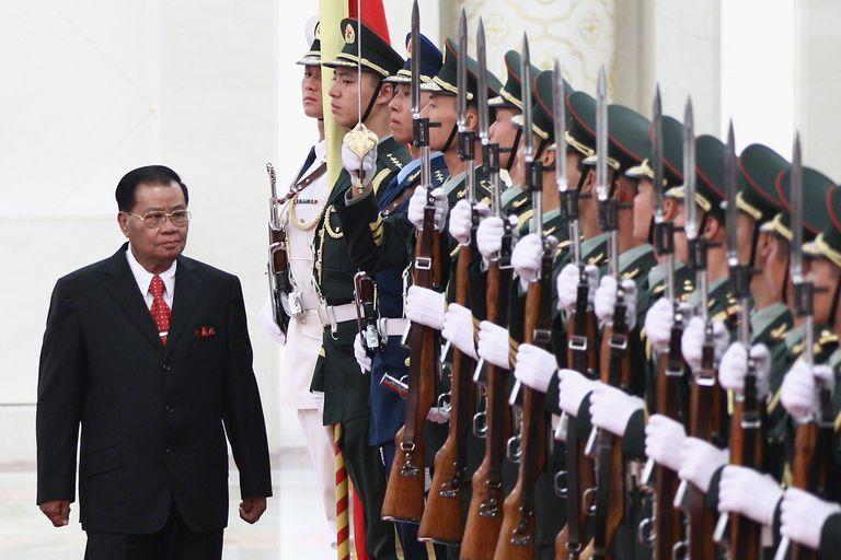 Myanmar's Top Leader Than Shwe Visits China